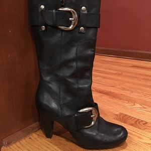 Kelly & Katie black leather buckle boots